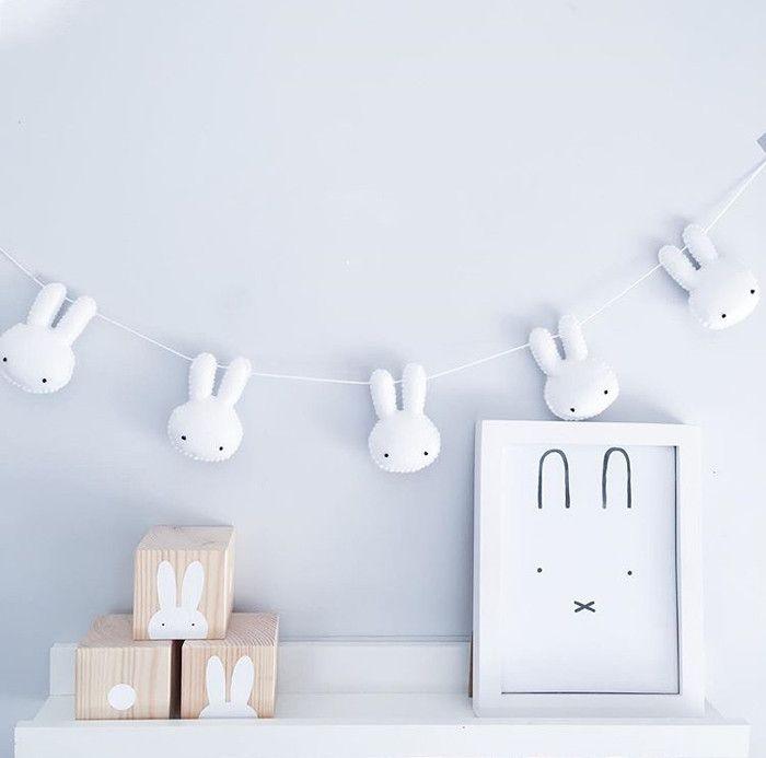 Bunnies and Bobtails http://petitandsmall.com/nursery-decor-bunnies-and-bobtails/