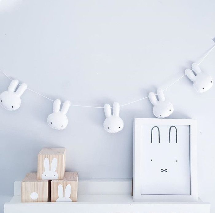 Bunnies and Bobtails http://petitandsmall.com/nursery-decor-bunnies-and-bobtails/