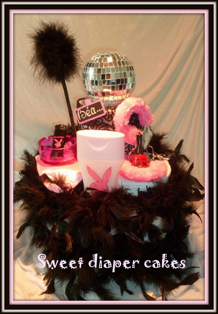Gâteau à base de papier toilette pour un enterrement de vie de jeune fille...;o)