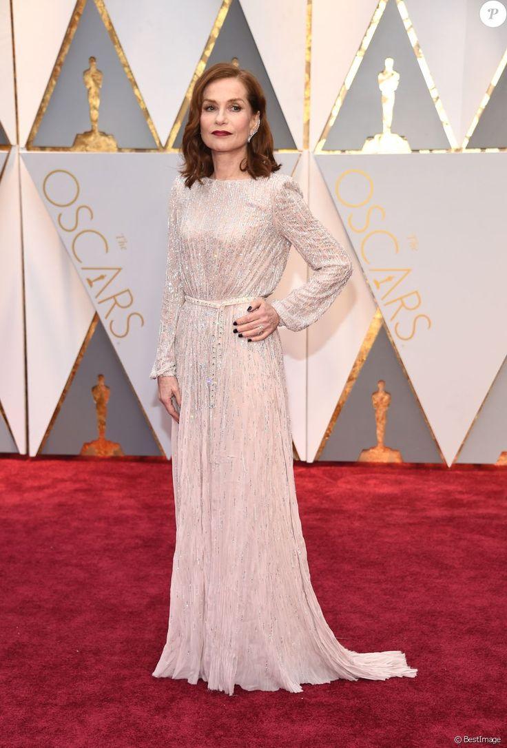 Isabelle Huppert in Armani Privé - 2017 Oscars
