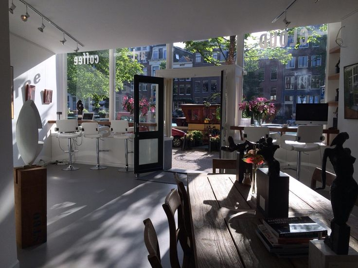 CLOUD ART AND COFFEE Prinsengracht 276, 1016 HJ Amsterdam, Pays-Bas