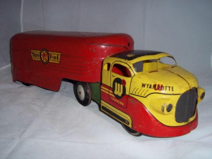 Wyandotte Toys Pressed Steel Turn Pike Long Distance Van with Ramp