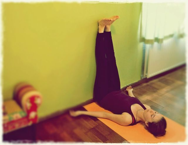 5 Relaxing Yoga Exercises for a Good Night Sleep | Daily Cup of Yoga | Bloglovin'