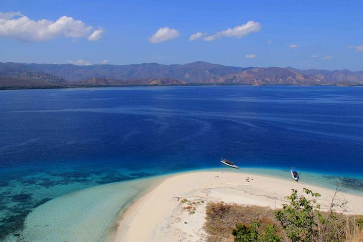 The crescent of white sandy beach in the island of Rutong in Riung, Ngada is nearly untouched. The tranquility is a remedy for the soul.