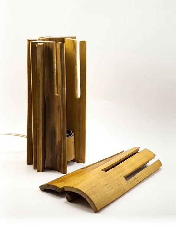 O conceito utilizado na luminária foi que os compradores pudessem monta-la e desmonta-la para facilitar seu transporte. Além de evidenciar a parede interna do bambu.: