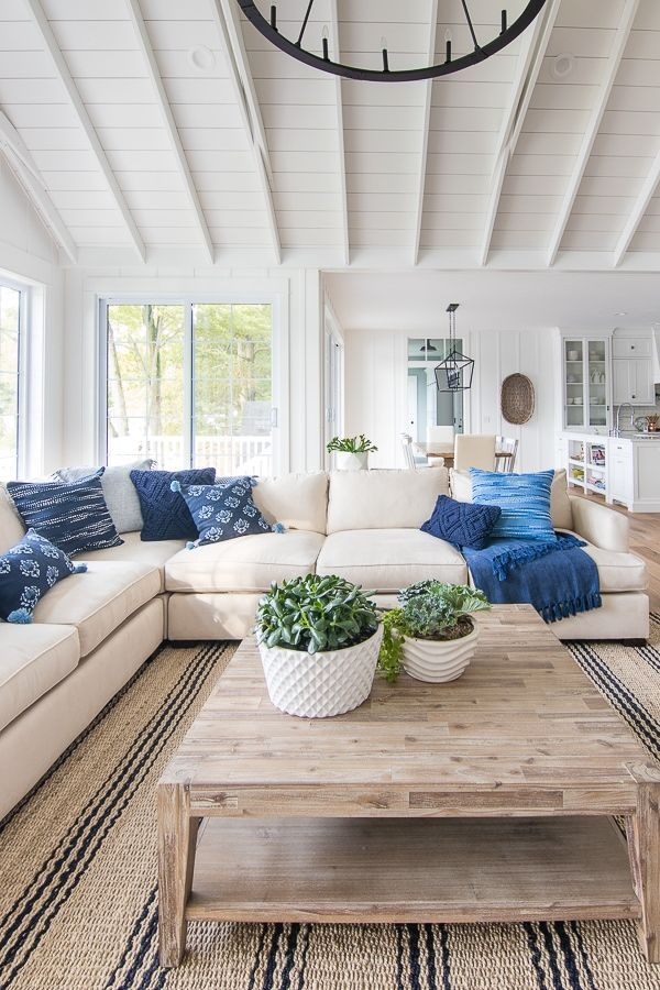 Navy And French Blue Pillows In 2020 Beach House Living Room