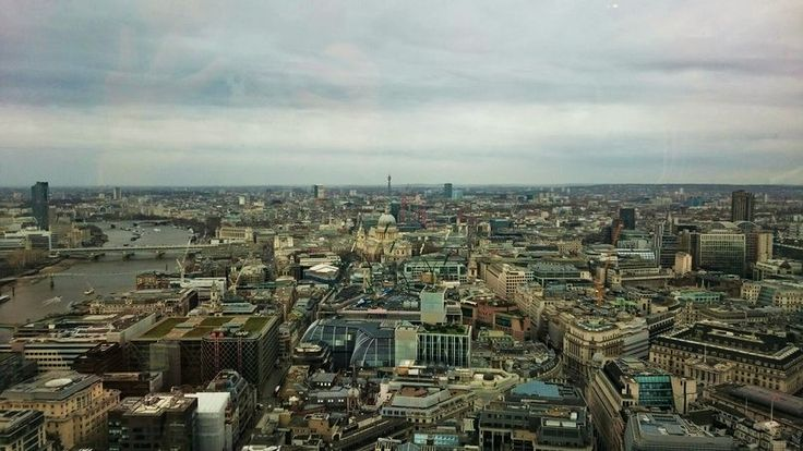 London city view #friendlylocalguides #london #londontravel #traveltolondon #londonattractions #londonsightseeing