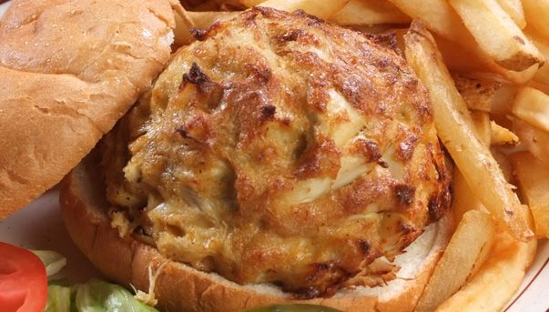 G & M Restaurant & Lounge at 804 N Hammonds Ferry Rd Linthicum Heights, Maryland 21090. They have the best crab cakes!!