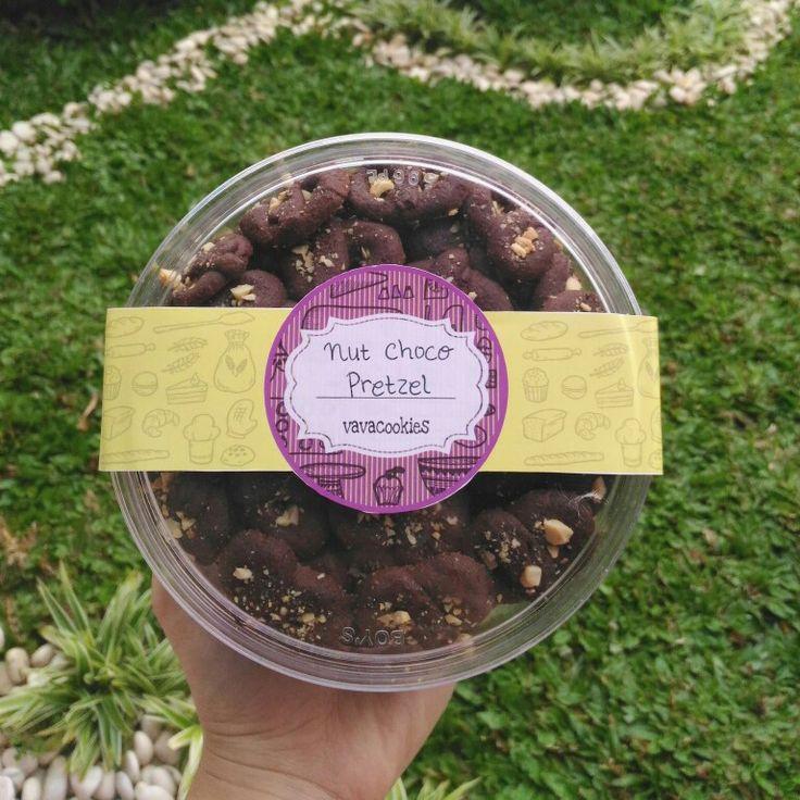 Nut Chocolate Pretzel