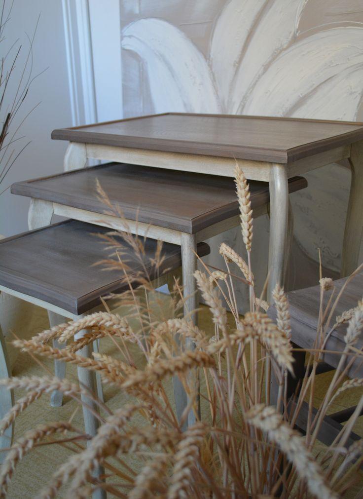 Tables gigognes patinées bronze et crème  Ambiance de charme