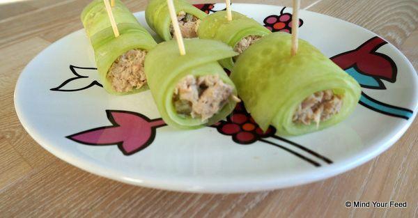 Gevulde komkommer rolletjes met tonijn - Mind Your Feed