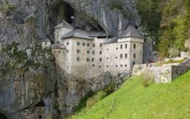 I castelli infestati da fantasmi, streghe e vampiri, da vedere ad Halloween #halloween #castelli #fantasmi #vampiri