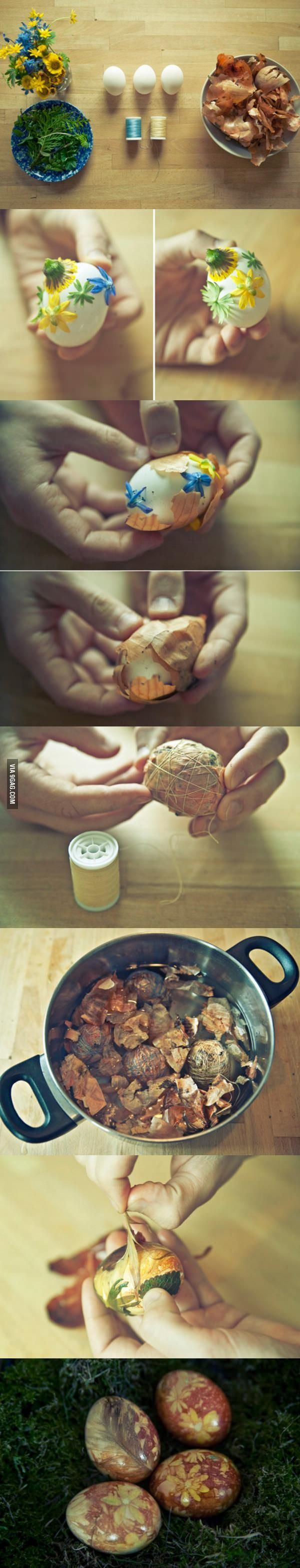 Dying eggs with onion skins - WARNING: Eggshells are porous, so use only non-toxic flowers or blown eggs!