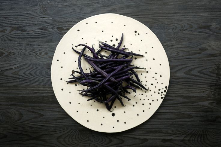 Purple beans presented on a Simply Dots ceramic plates series by Projectorium. Black and white decoration for your table or at your kitchen.