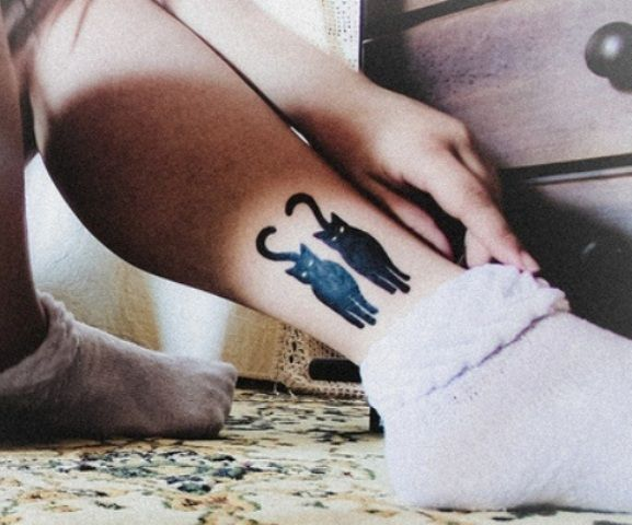Black Cat Tattoo Designs On Leg
