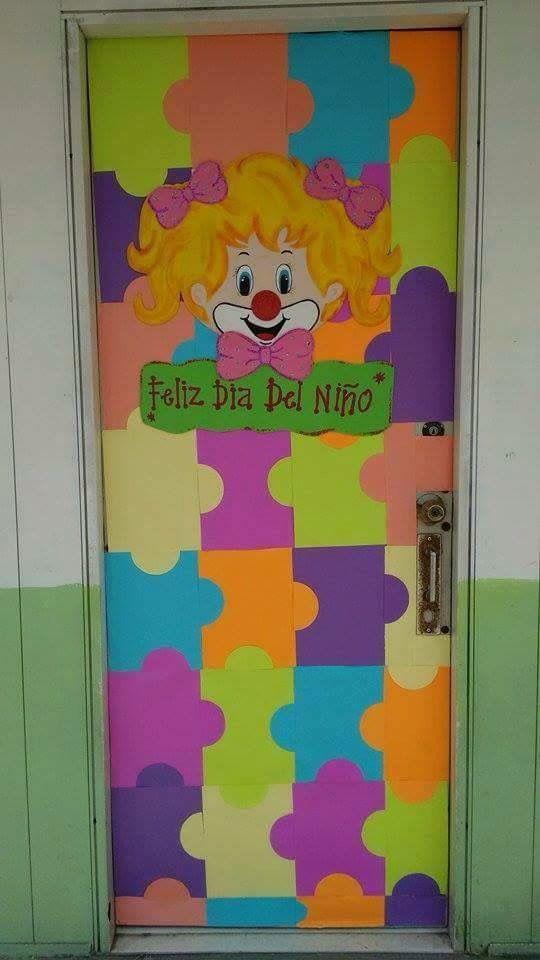 Día del niño, puerta forrada
