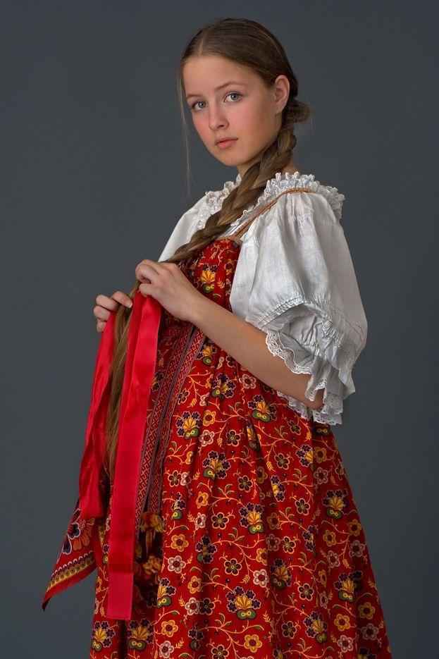Встречаем по одежкеАттракцион невиданной щедростиРусская вещь. Православная икона Коко Шанель.Святки