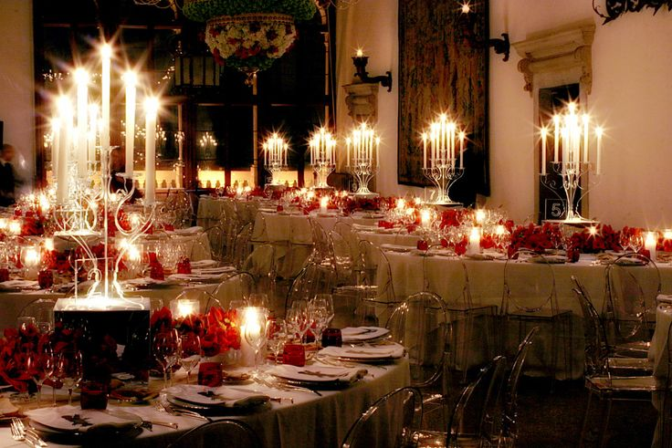 Matteo Corvino #tablesetting, #red, #flowers, #Candlelight, #venice, #wedding, #suggestive, #evocation, #design, #interior,