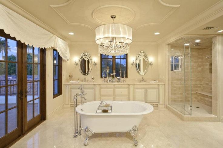 Dream dream dream: Dreams Houses, Chicken Enchiladas, Big Bathroom, Clawfoot Tubs, Vintage Bath, Dreams Bathroom, White Bathroom, Master Bathroom, Dreams Dreams