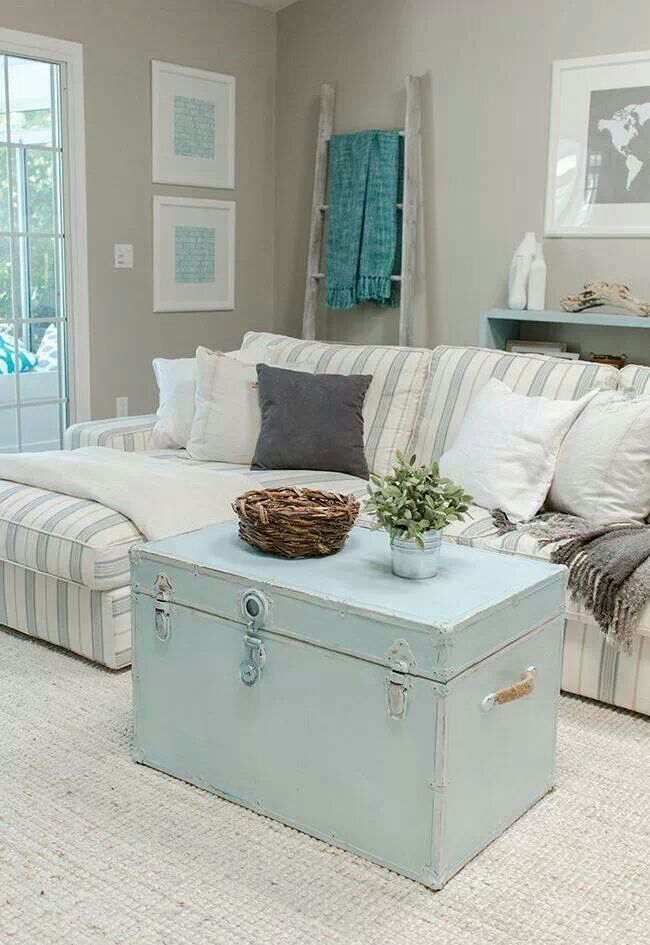 grey and turquoise living room | Via Nikki Weinert Englund