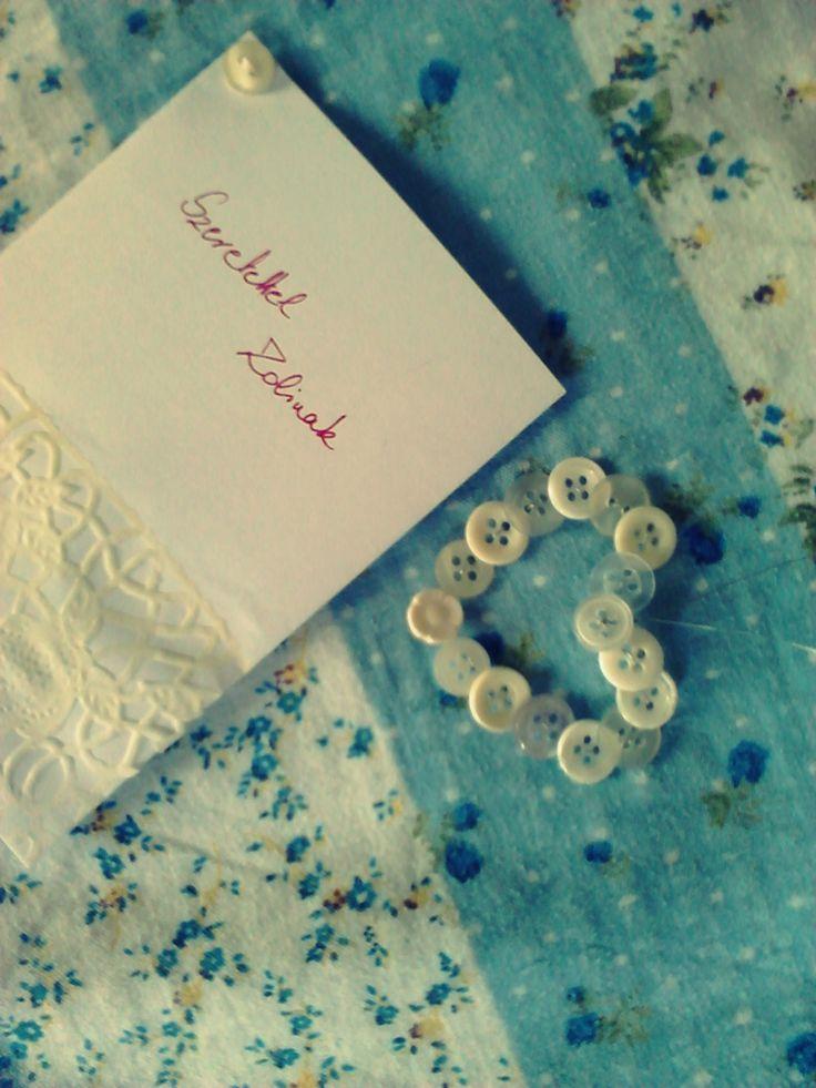 Gift - Button-heart