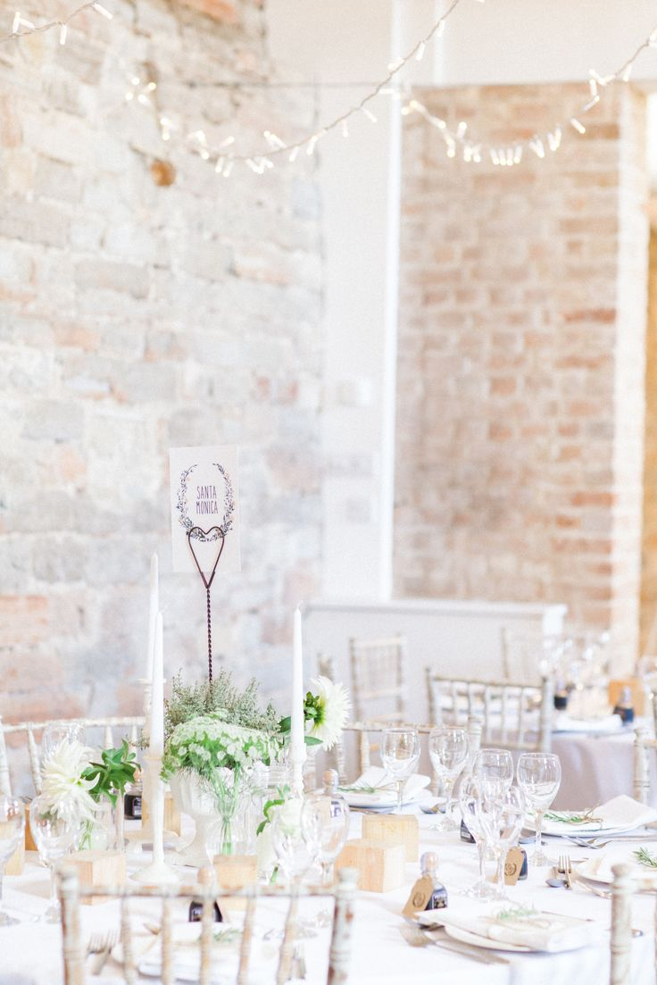 Almonry Barn Somerset, pretty table inspiration | Bowtie and Belle Photography www.bowtieandbellephotography.co.uk