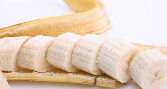 L'apparition des rides est un des désagréments du vieillissement. Voici un masque maison à la banane qui lutte contre les rides et redonne jeunesse et éclat.: