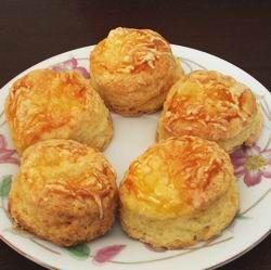 Pihe-puha sajtos pogácsa ( annyit kiegészítésként, hogy felejtős a fél óra sütés: 15-20 perc elegendő)