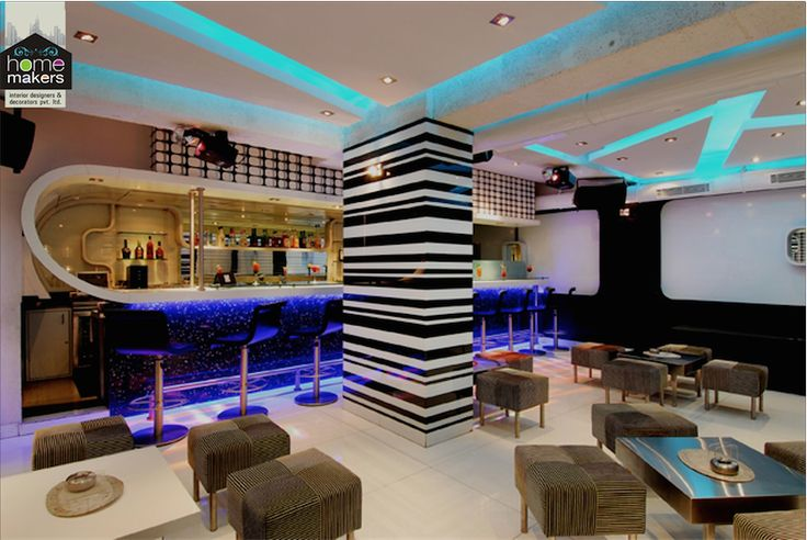 A stunning restaurant with a magnificient and attractive bar.  For more, visit www.homemakersinterior.com