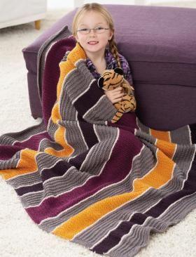 Такое одеяло согреет вас и ваших детей в прохладный осенний вечер.Плед выполнен из акриловой пряжи 5 различных цветов.Техника вязания не...