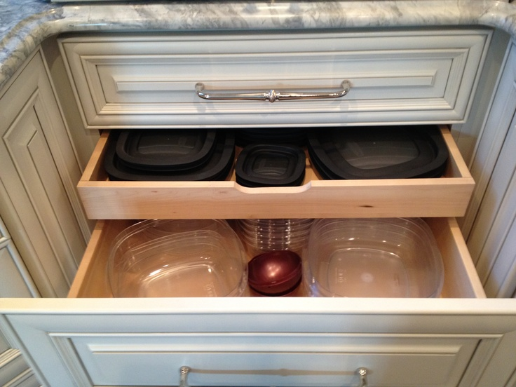 I love these double drawers for tupperware storage. Great lids in one bases in the other.