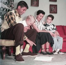 Jerry Lewis at home with son Ronald wife Patty and son Gary circa 1951