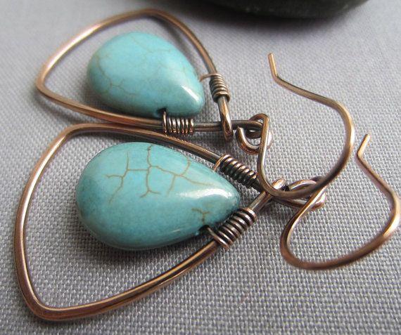 Copper Wire Earrings/ Wire Earrings with Turquois Howlite/ Hammered Copper Earrings/ Artisan Earrings/ Minimalist Earrings