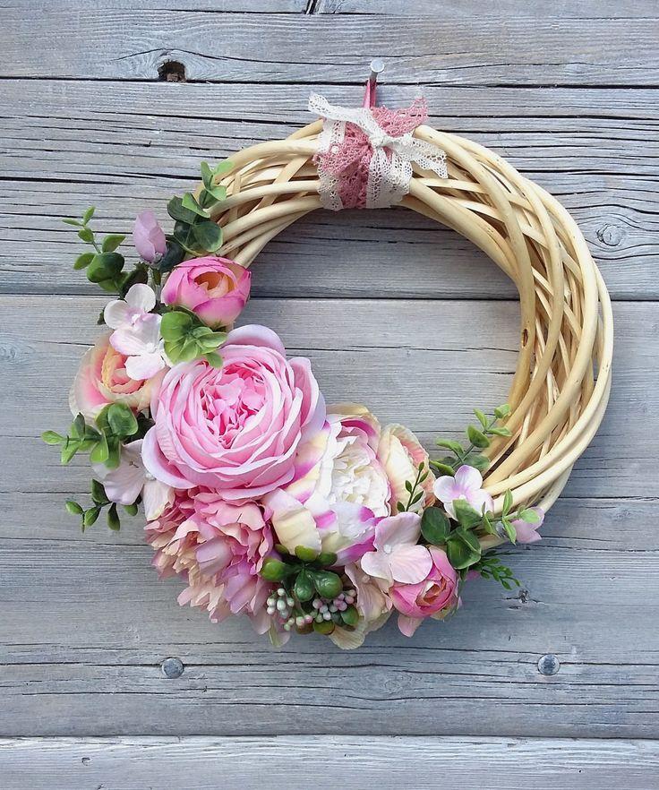 Romantikus rózsás-boglárkás tavaszi-nyári koszorú, ajtódísz (madarkamuhely) - Meska.hu