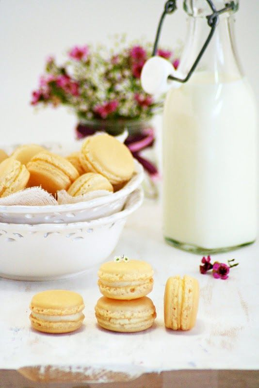 Food and Cook by globetrotter »MACARONS with Vanilla Buttercream
