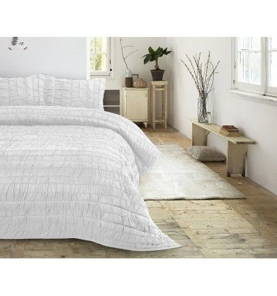 Superbe Couvre lit fabriqué en micro-percale de haute qualité, adapté à une utilisation durable et à long terme. Il est spécial grâce à son coloris blanc, qu...
