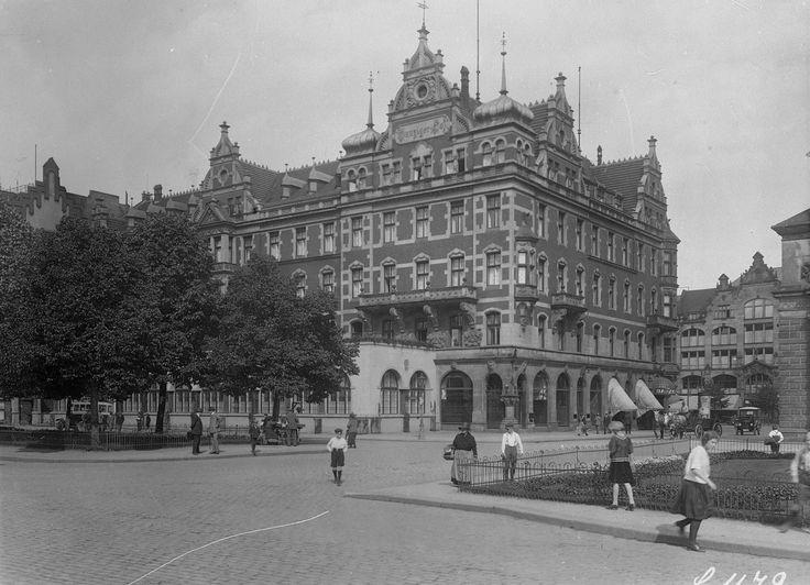 1780199-Danziger-Hof-wiele-osob-chcialoby-aby-w-miejscu-LOT-u-ponownie-stanal-budynek-wzorowany-na-luksusowym-hotelu.jpg (1488×1077)
