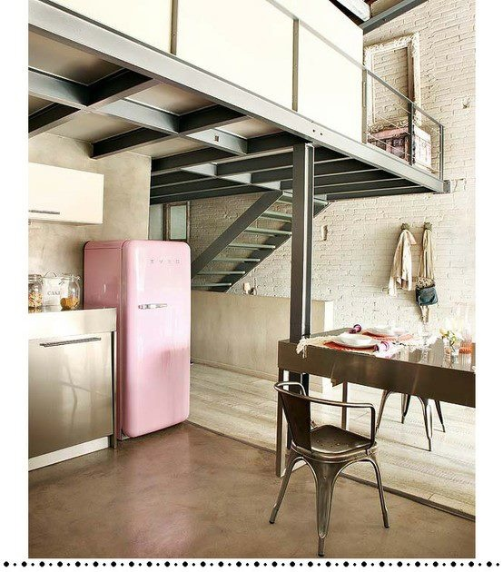 Hello lofty home with a delightful pink fridge. I think I love you :)