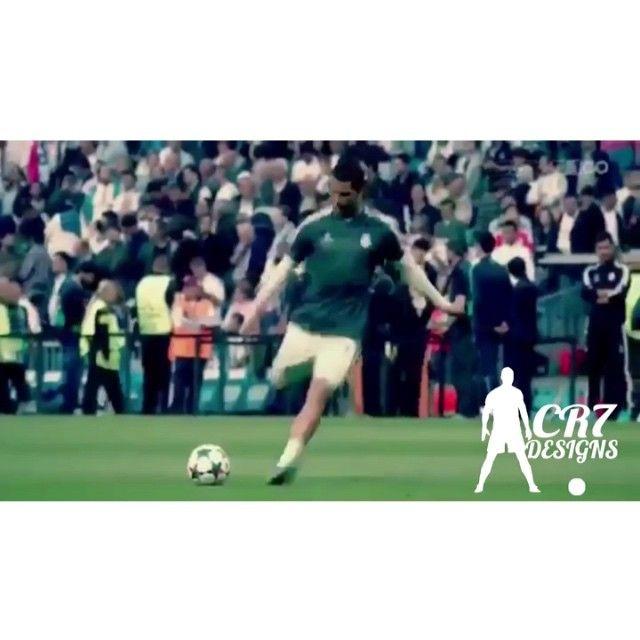 Cristiano giving his jersey to a fan who was hit by his free kick at yesterday's derby. You can watch the full length video on my facebook page, www.facebook.com/officialcr7designs ・・・ Cristiano da su camiseta a un fan que fue golpeado por su tiro libre en el derbi de ayer. Puedes ver el vídeo completo en mi página de facebook, www.facebook.com/officialcr7designs —— Follow my Vine @CR7Designs #cr7designs #cristianoronaldo #cristiano #ronaldo #cr7 #vivaronaldo #halamadrid #realmadrid…