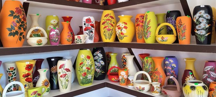 Romanian Vases - time for shopping