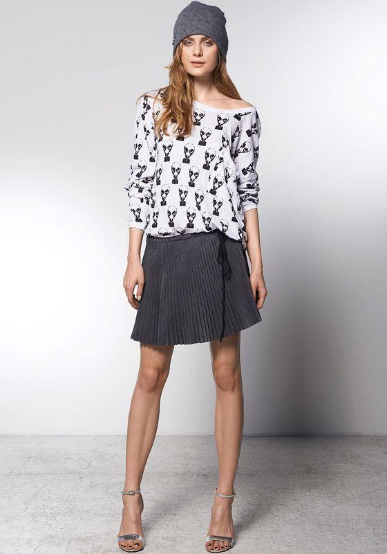 T-shirt OPERA ASYMETRIC: http://robertkupisz.com/pl/shop/products/t-shirt-opera-asymetric-1?variant=with_print
