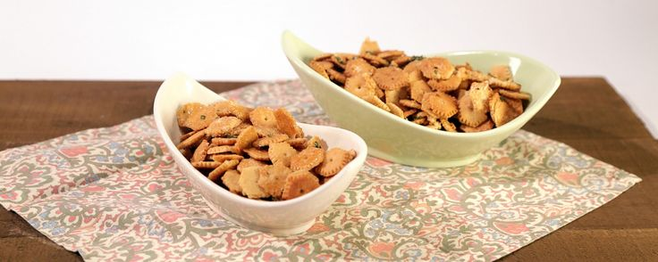 Take those leftover oyster crackers & turn them into 2 delicious snacks perfect for showtime!