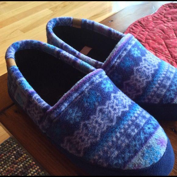 Acorn Slippers Acorn polar fleece slippers, like brand new, worn very little, and never outside. Acorn Other
