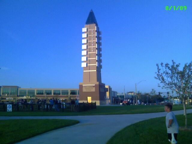 Omaha Nebraska Attractions | Movies and Live Bands at Stinson Park at Aksarben Village in Omaha NE