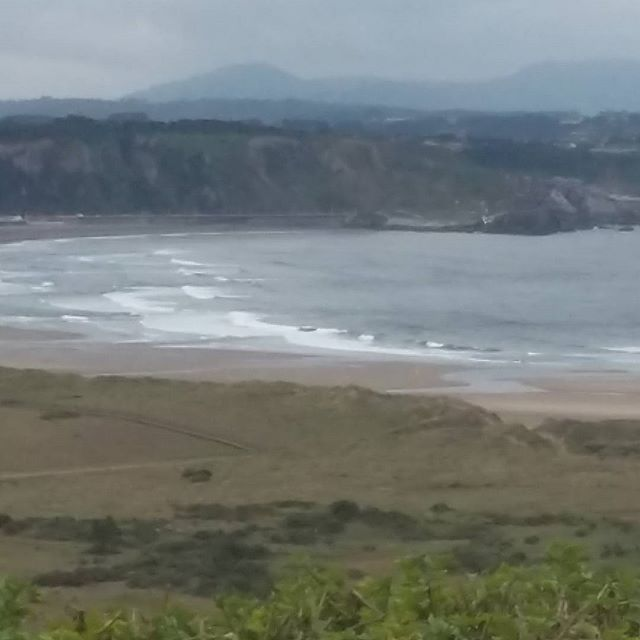 Playa de Salinas y San Juan... 13,40 Y...... #xagó #salinas #San Juan #surf #bodyboard #paddelsurf #habitaciones #rooms #ebérgement #rural #accommodation #asturias #montereylocals #salinaslocals- posted by Xago Surf House .Albergue https://www.instagram.com/xago_surf_house_habitaciones - See more of Salinas, CA at http://salinaslocals.com