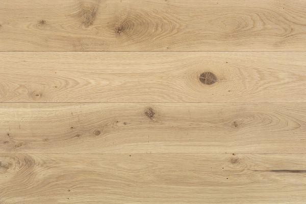 CEEオークナチュラルS 用途 [仕上] フローリング(エクストリーム・クリアオイル塗装品) 材質:欧州産ホワイトオーク  規格:15×137×乱尺  等級:ナチュラル(節や濃い色むらを含みます) 梱包:2.199㎡/束