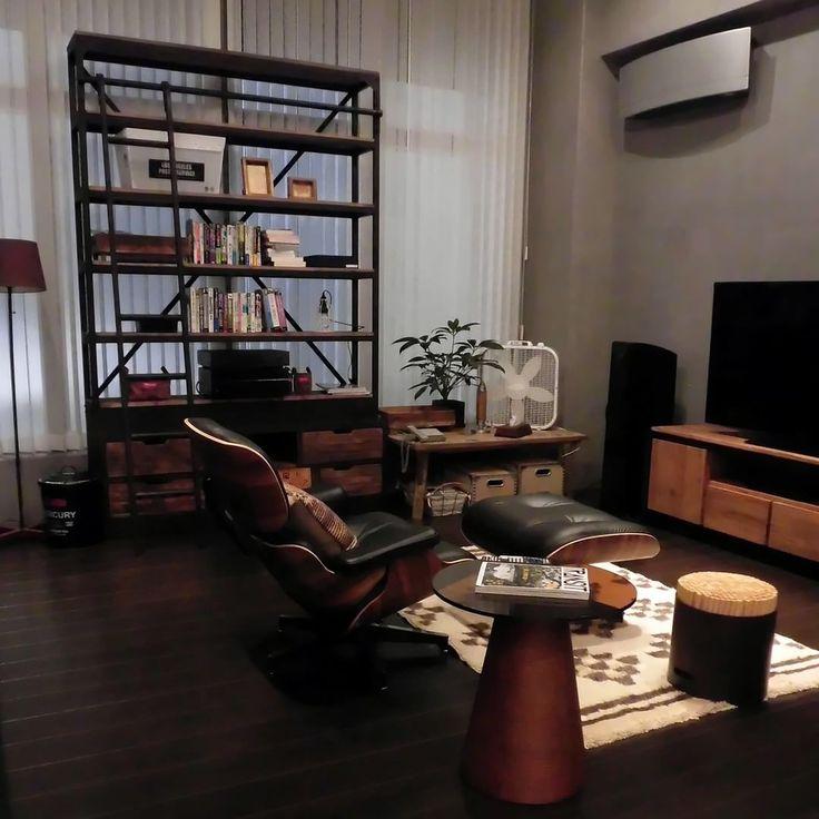 逃げるは恥だが役に立つ 風見家/リビング #interior #livingroom #homedecor #homeinspiration #loungechair #modern #wooden #interiorinspiration