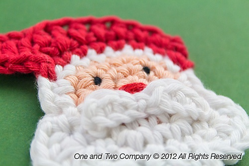 Ravelry: Santa Applique pattern by Carolina Guzman.