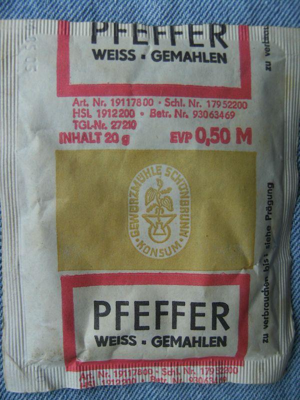 Pfeffer weiß. Gewürzmühle Schönbrunn. DDR
