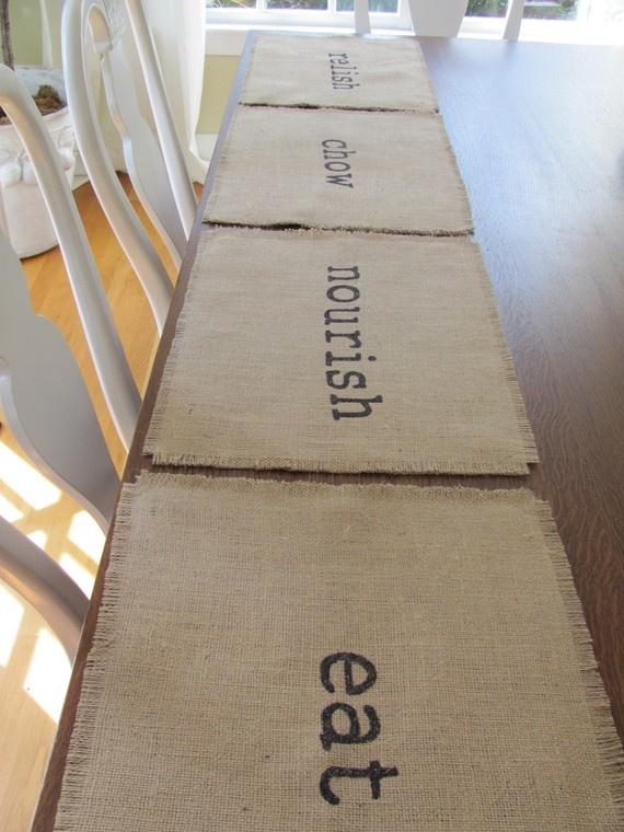easy to make place mats! LOVE EM!!!!!! @ Margie BarnettParties Frostings, Burlap Placemats, Places Mats, Crafts Ideas, Parties Placemats, Crafts Projects, Crafty Creations, Burlap Places, Placemats But